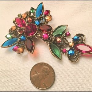 Weiss costume rhinestone pin brooch